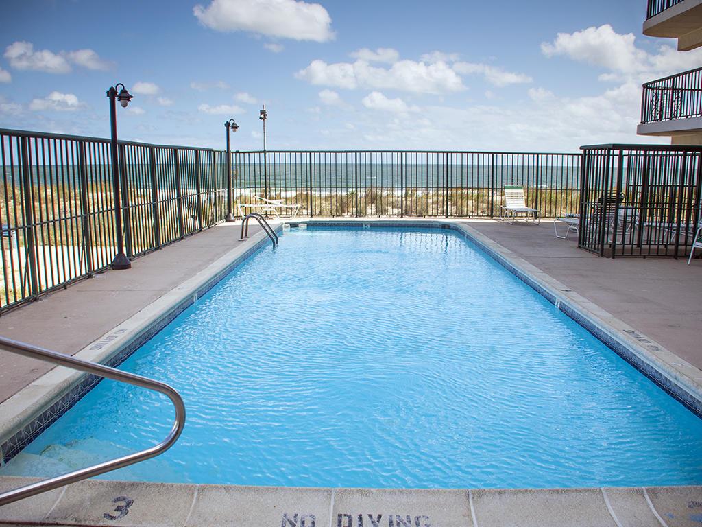 Summer Beach Outdoor Pool (open seasonally)