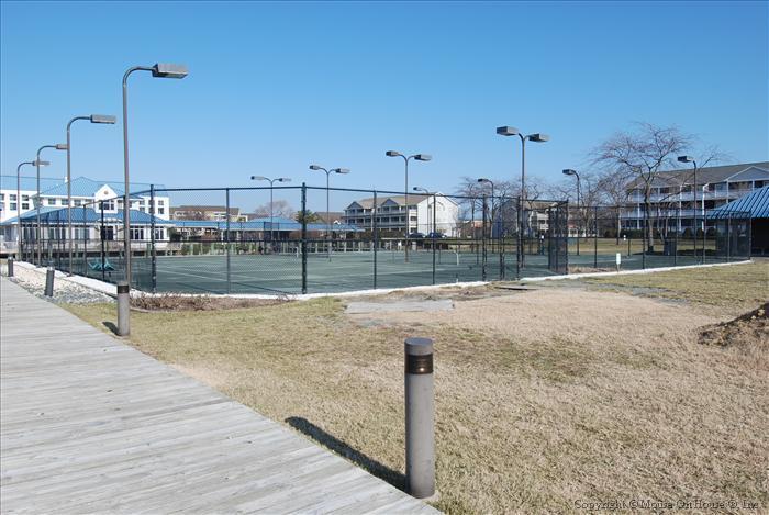 Harbour Club Tennis Courts