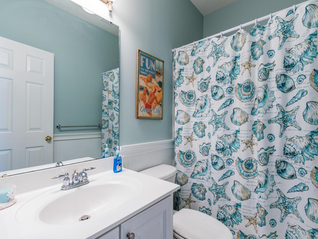 18 Beach Walk Lane - Second Bathroom