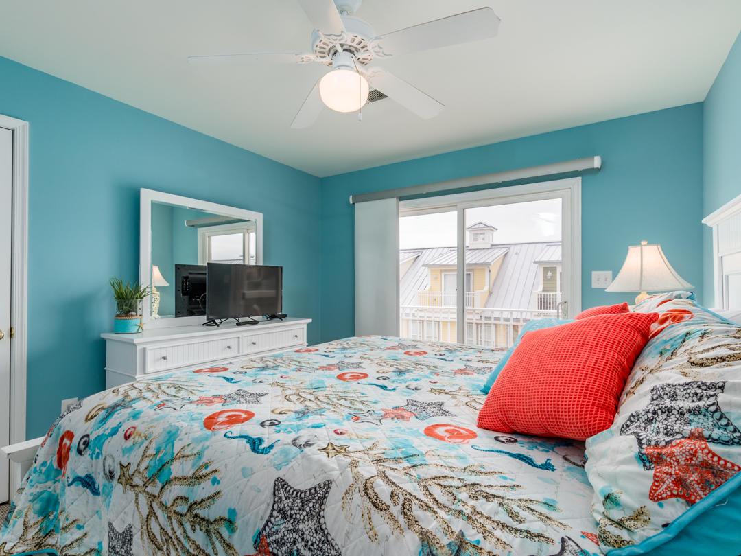 18 Beach Walk Lane - Top Floor Bedroom
