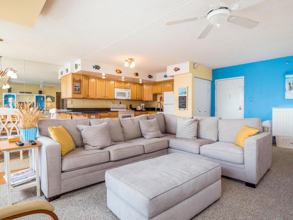 Capri, 903 - Living Room