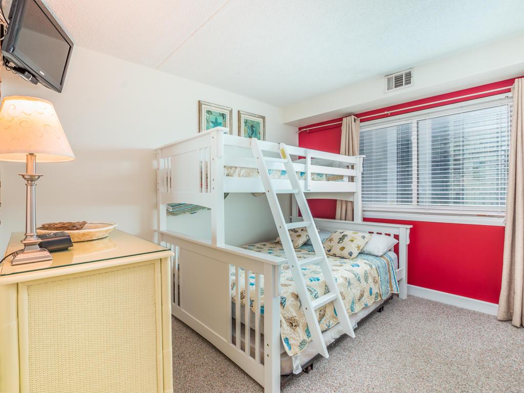 Capri. 903 - Second Bedroom