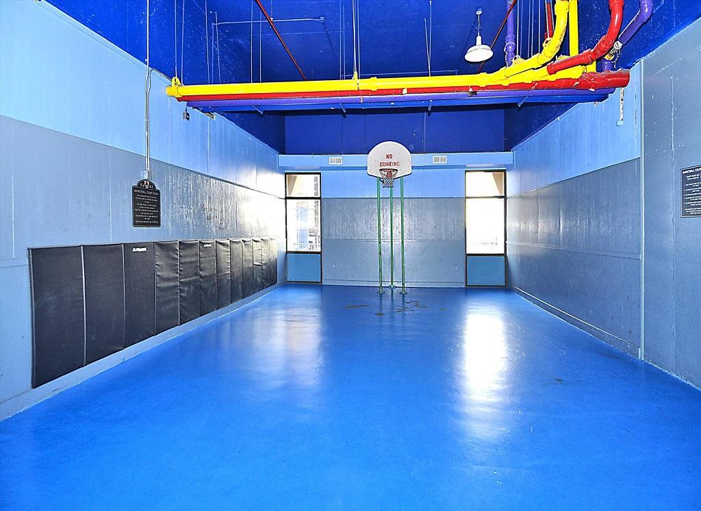Capri 903 Game Indoor Basketball