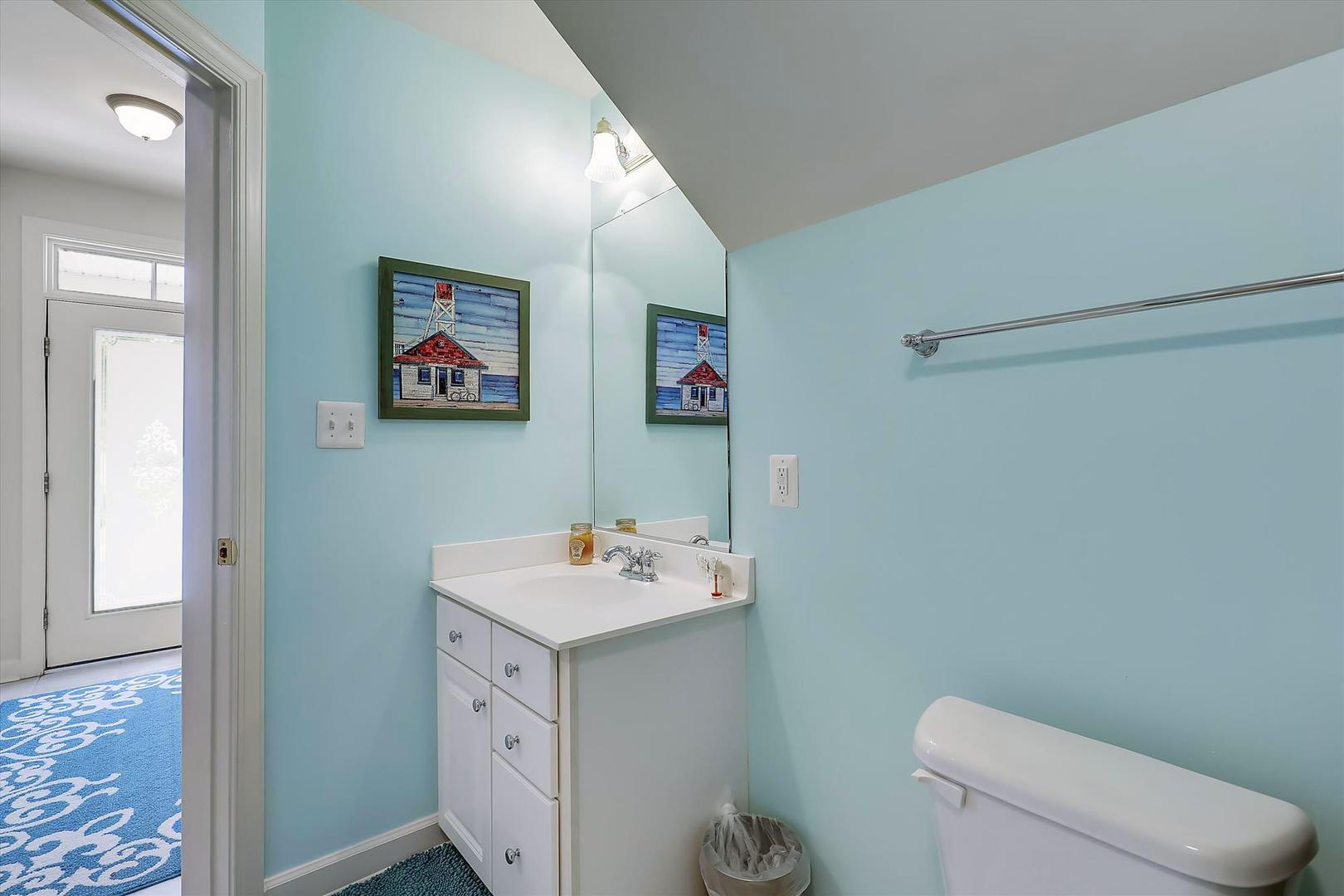 Sunset Island 17 Fountain Dr. W - 1st Floor Bathroom