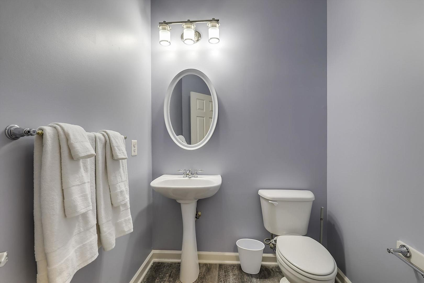 28 Seaside Dr. - Powder Room