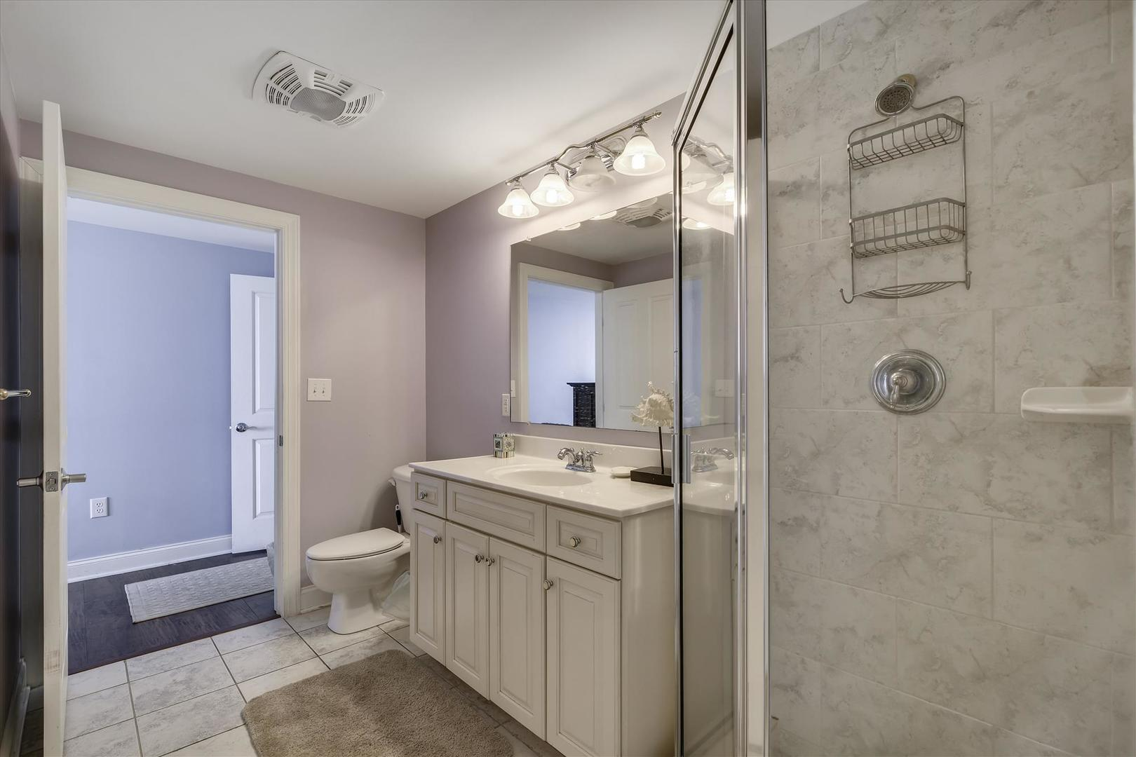 Belmont Towers 707 - Bathroom 2