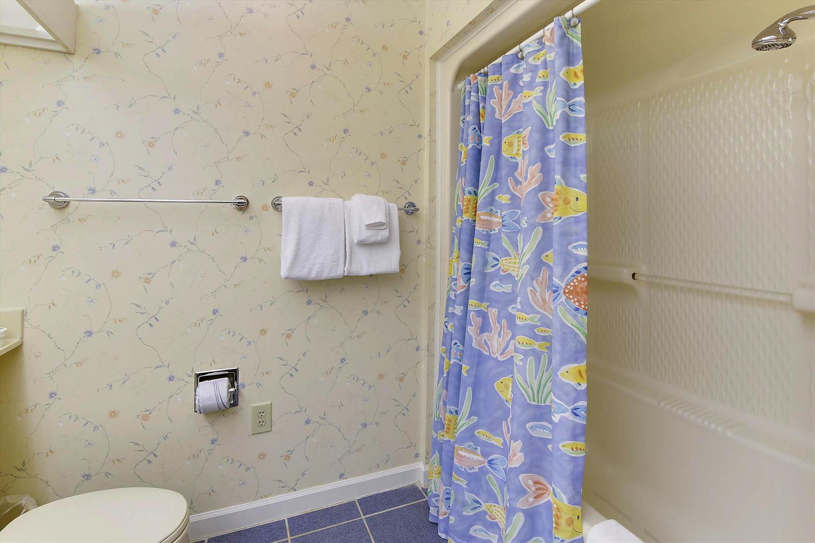 Ocean Creek G2707 - Full Bathroom 1