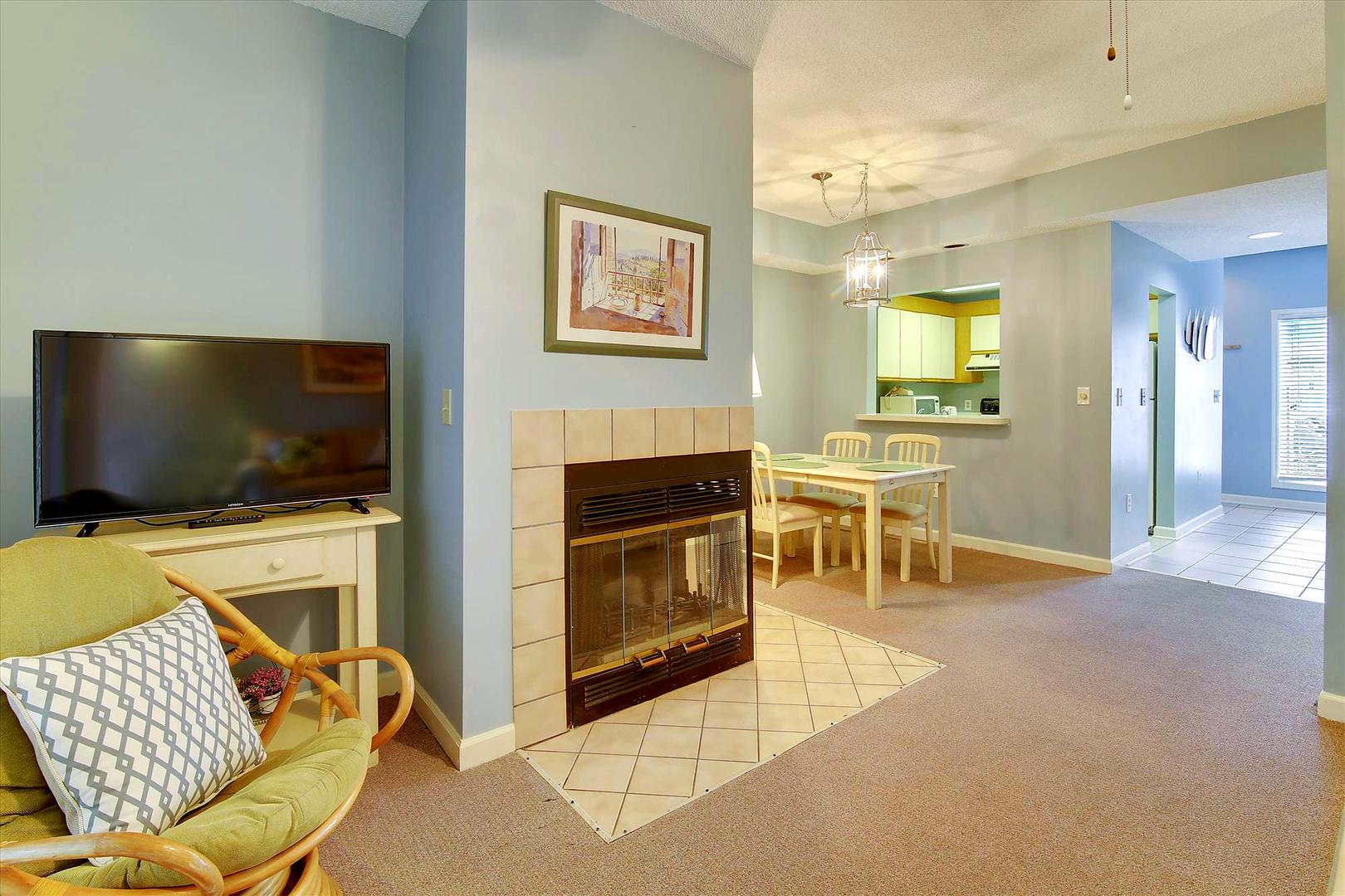 Ocean Creek G2707 - Living Room