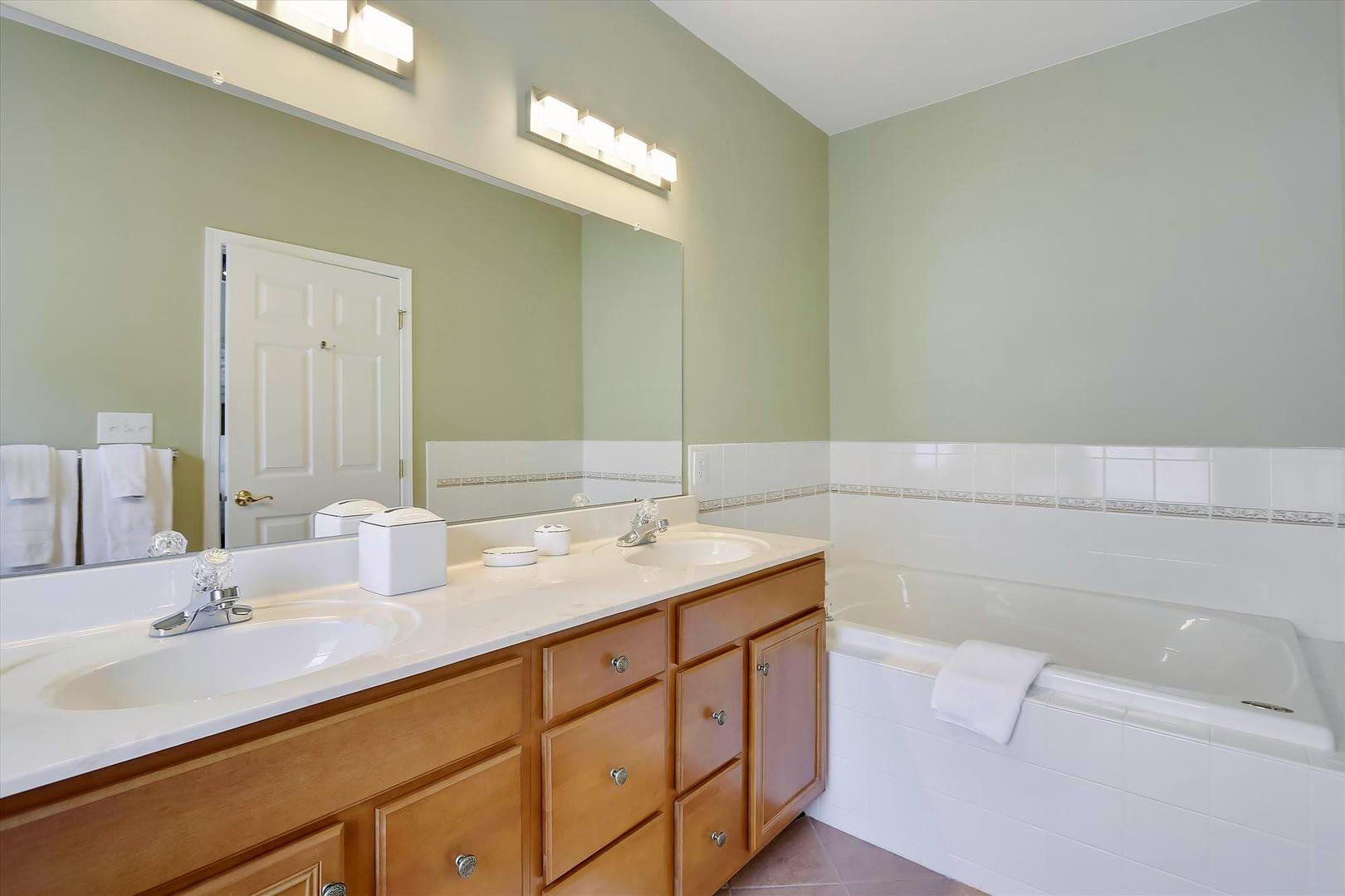 Bayside at Bethany Lakes - Master Bathroom
