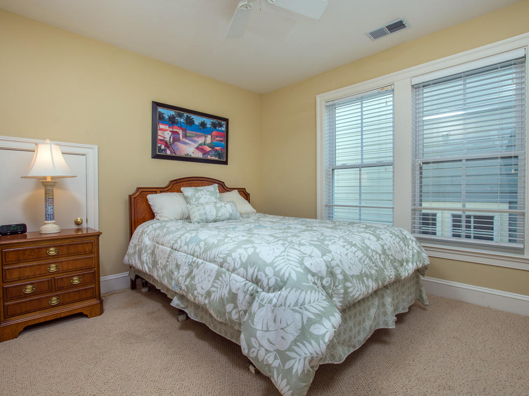 Sunset Island, 6 Seaside Mews - Top Floor Bedroom