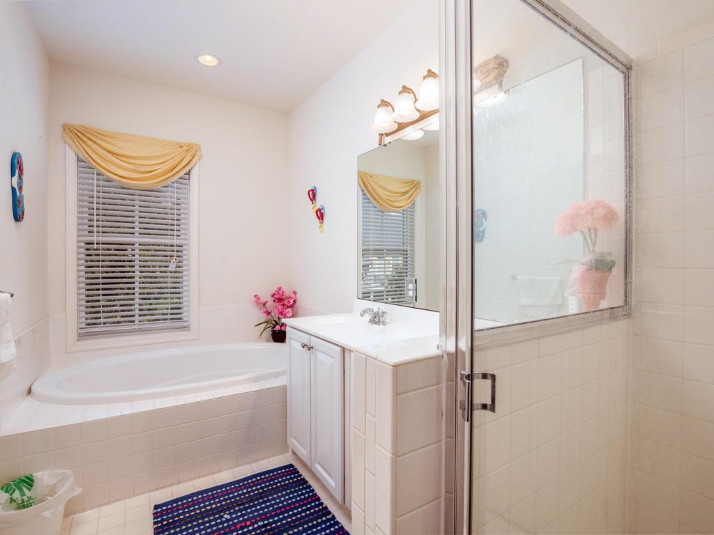 Susnet Island, 5 Corner Store Lane - Master Bathroom