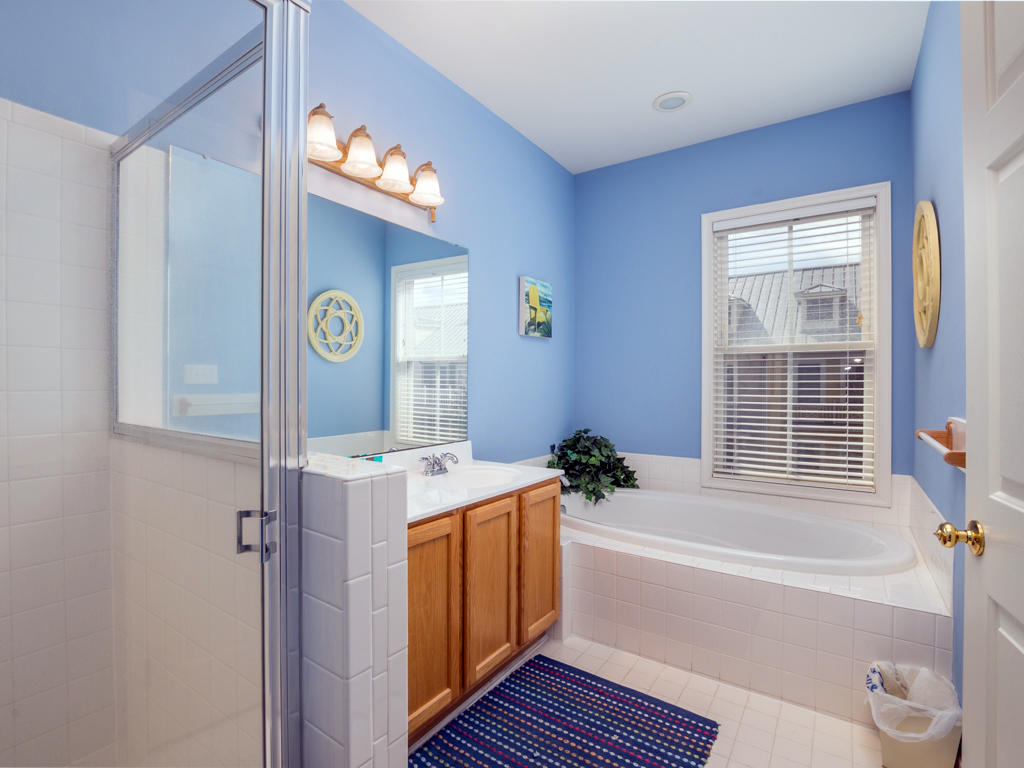 Sunset Island, 6 Beach Walk Lane - Master Bathroom