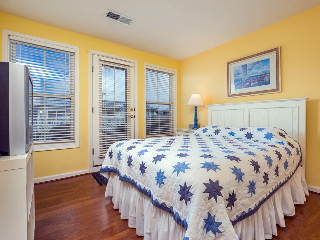 Sunset Island, 6 Beach Walk Lane - Top Floor Bedroom