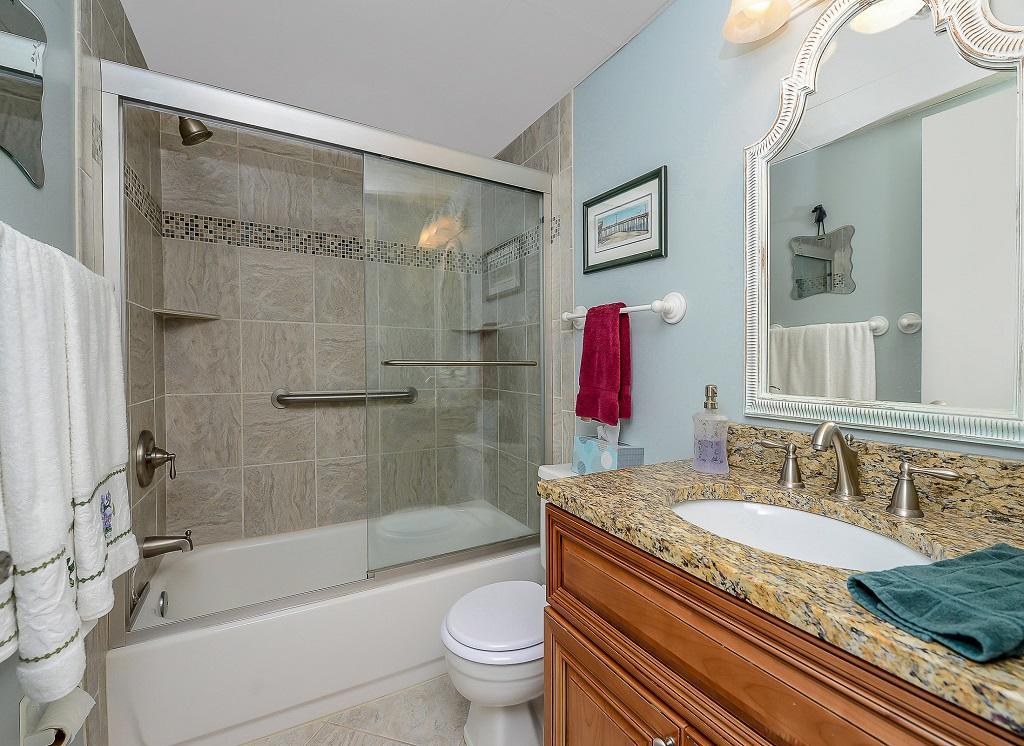 Excalibur, 304 - Bathroom 2
