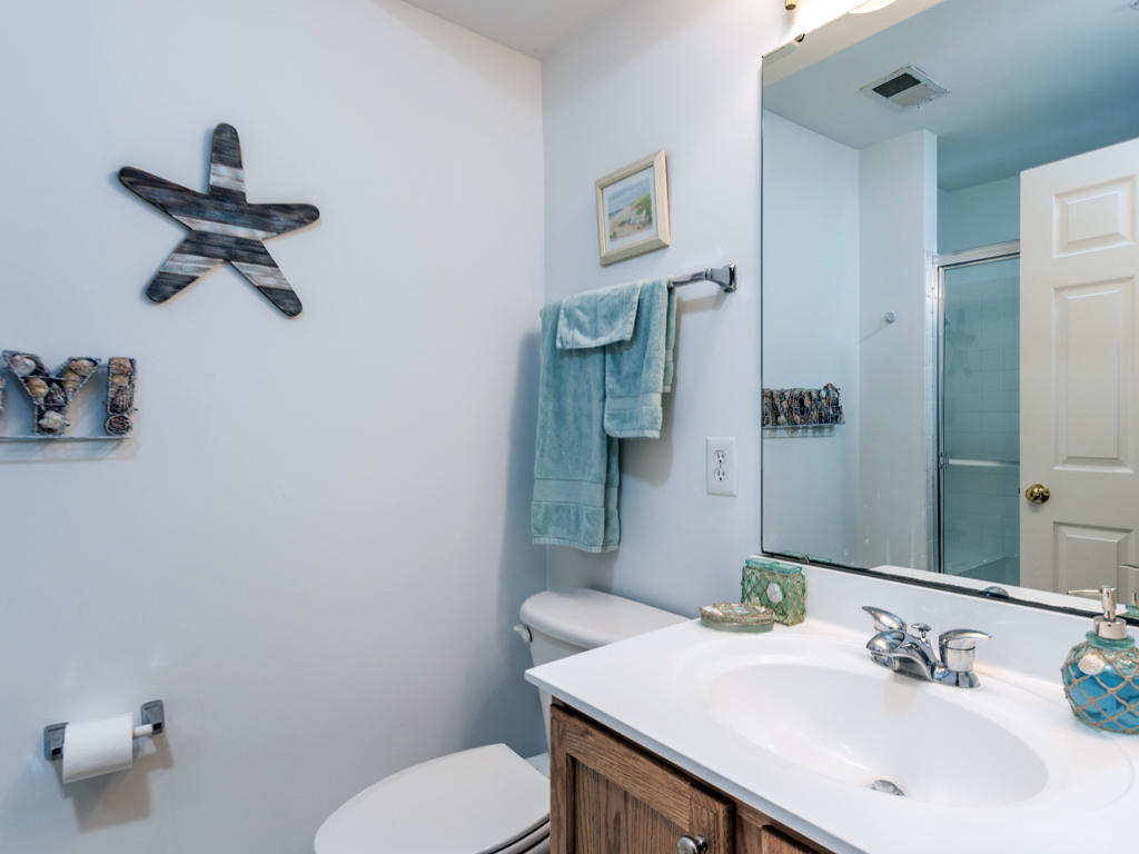 26 Island Edge Drive - Second Bathroom