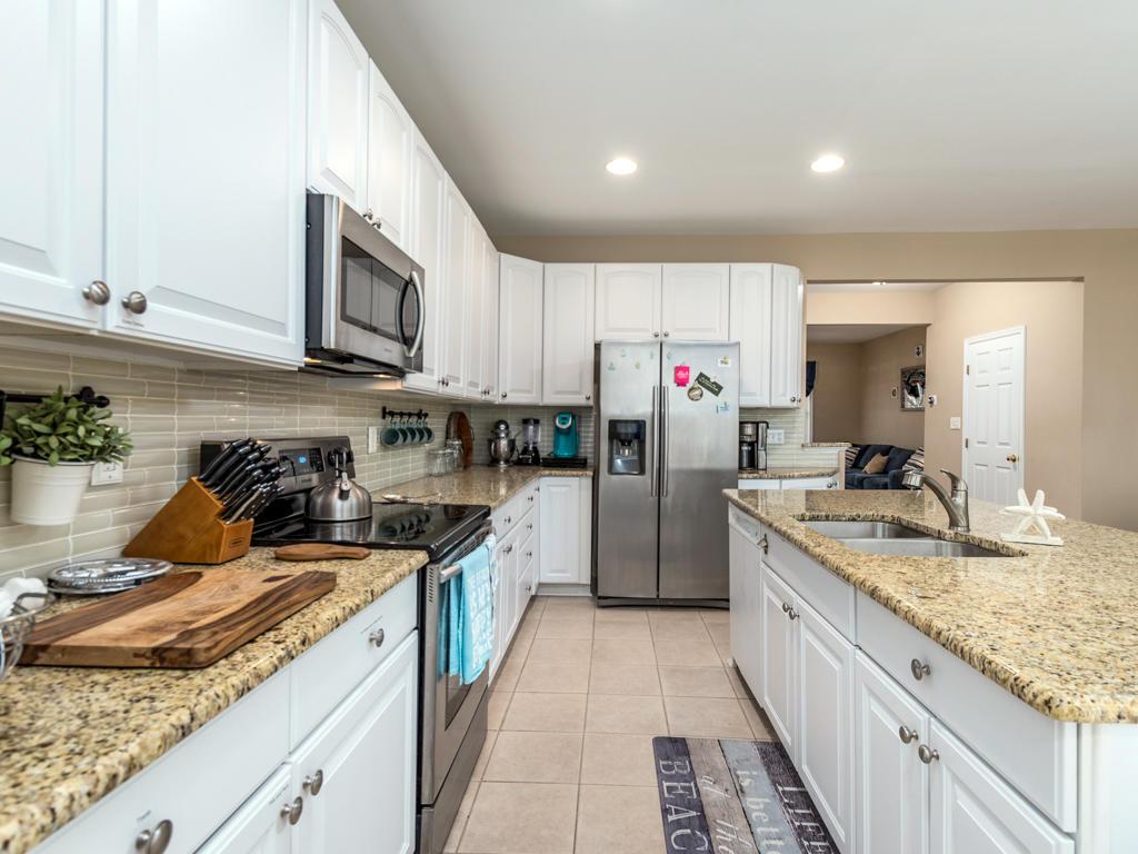 26 Island Edge Drive - Kitchen