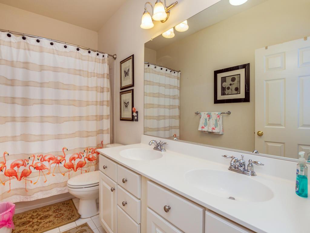 Sunset Island, 51 Sunset Island Drive - Shared Bathroom