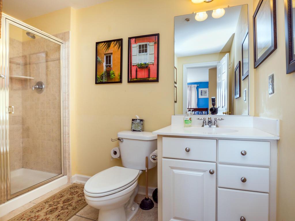 Sunset Island, 51 Sunset Island Drive - Top Floor Bathroom
