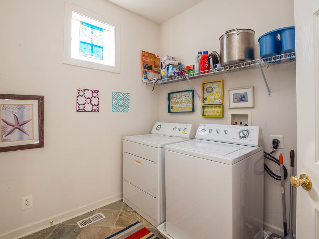 Sunset Island, 51 Sunset Island Drive - Washer and Dryer