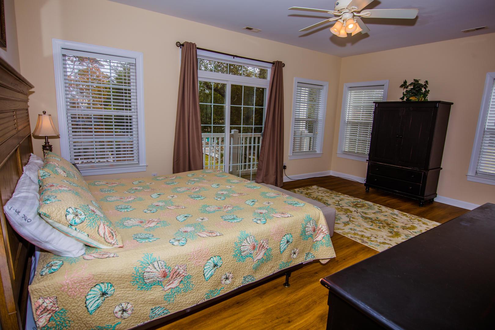 Ocean Breeze Cottage - Master Bedroom