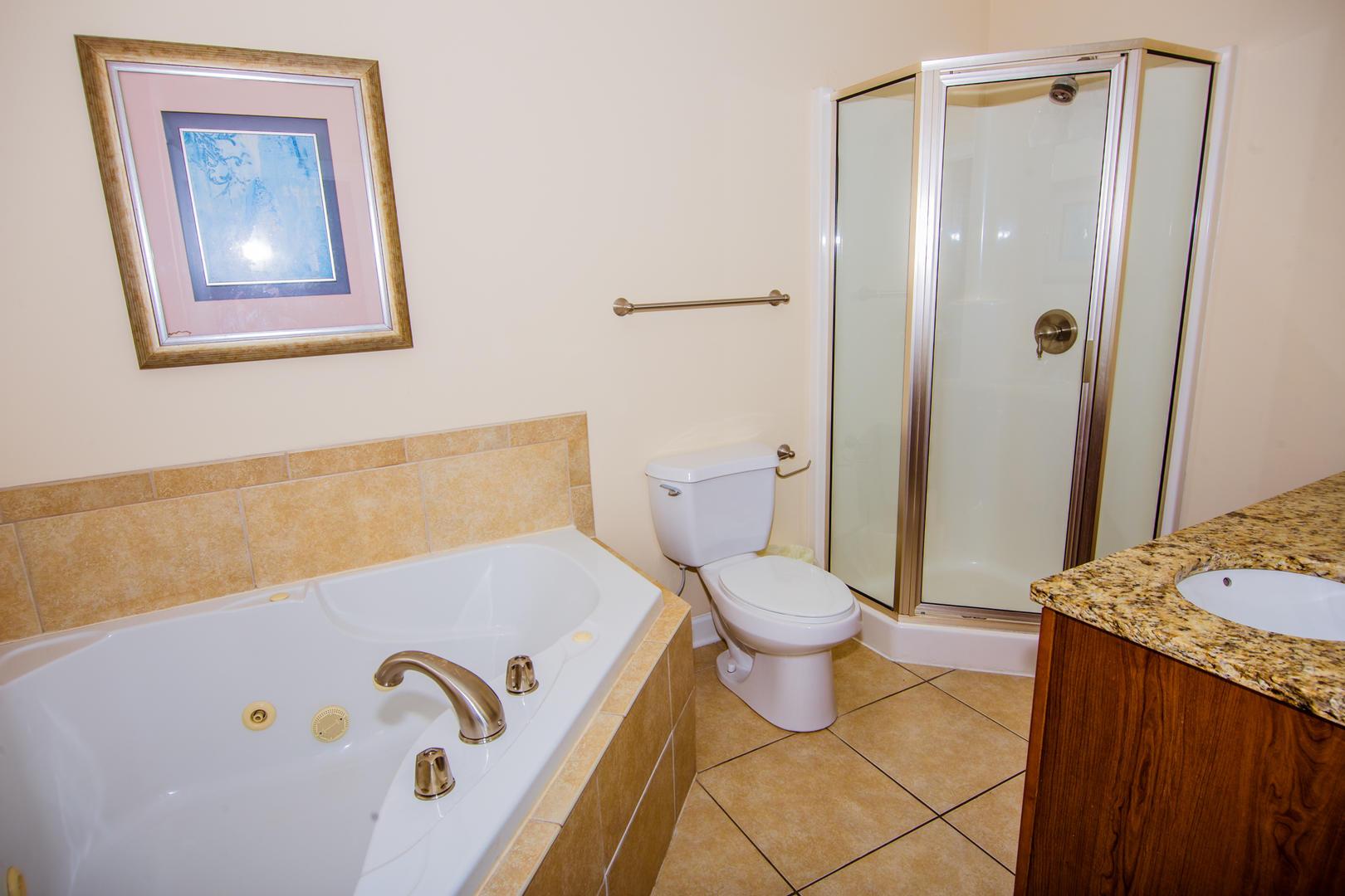 Ocean Breeze Cottage - Master Bathroom