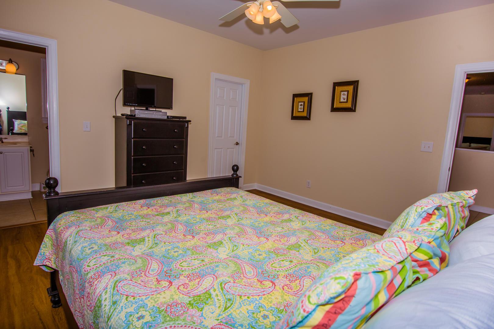 Ocean Breeze Cottage - Bedroom 2