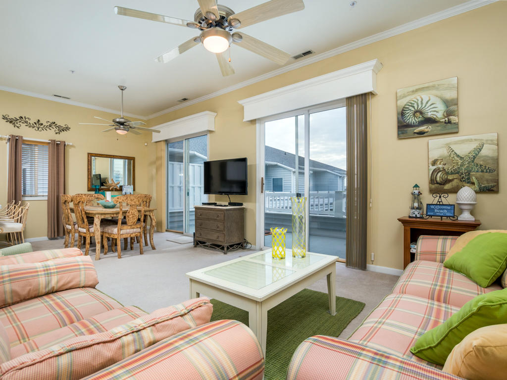 Harbour Towne 301D - Living Room