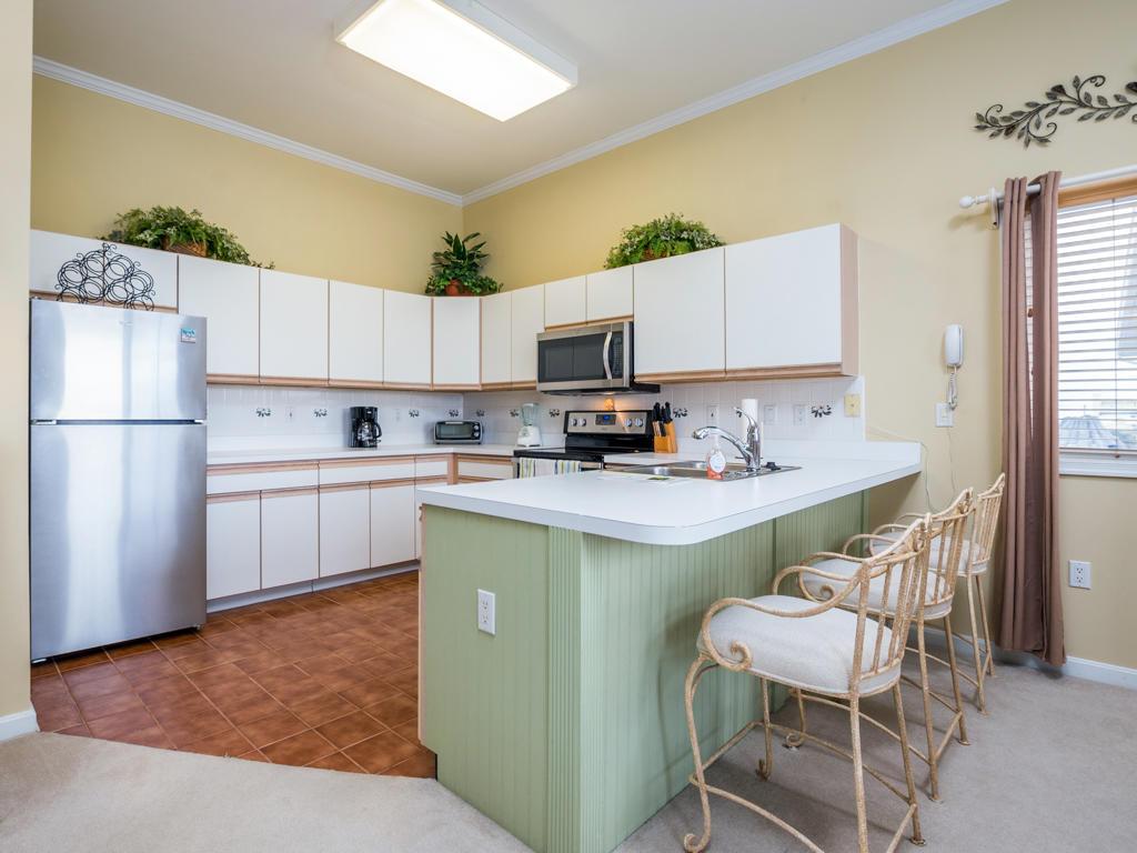 Harbour Towne 301D - Kitchen