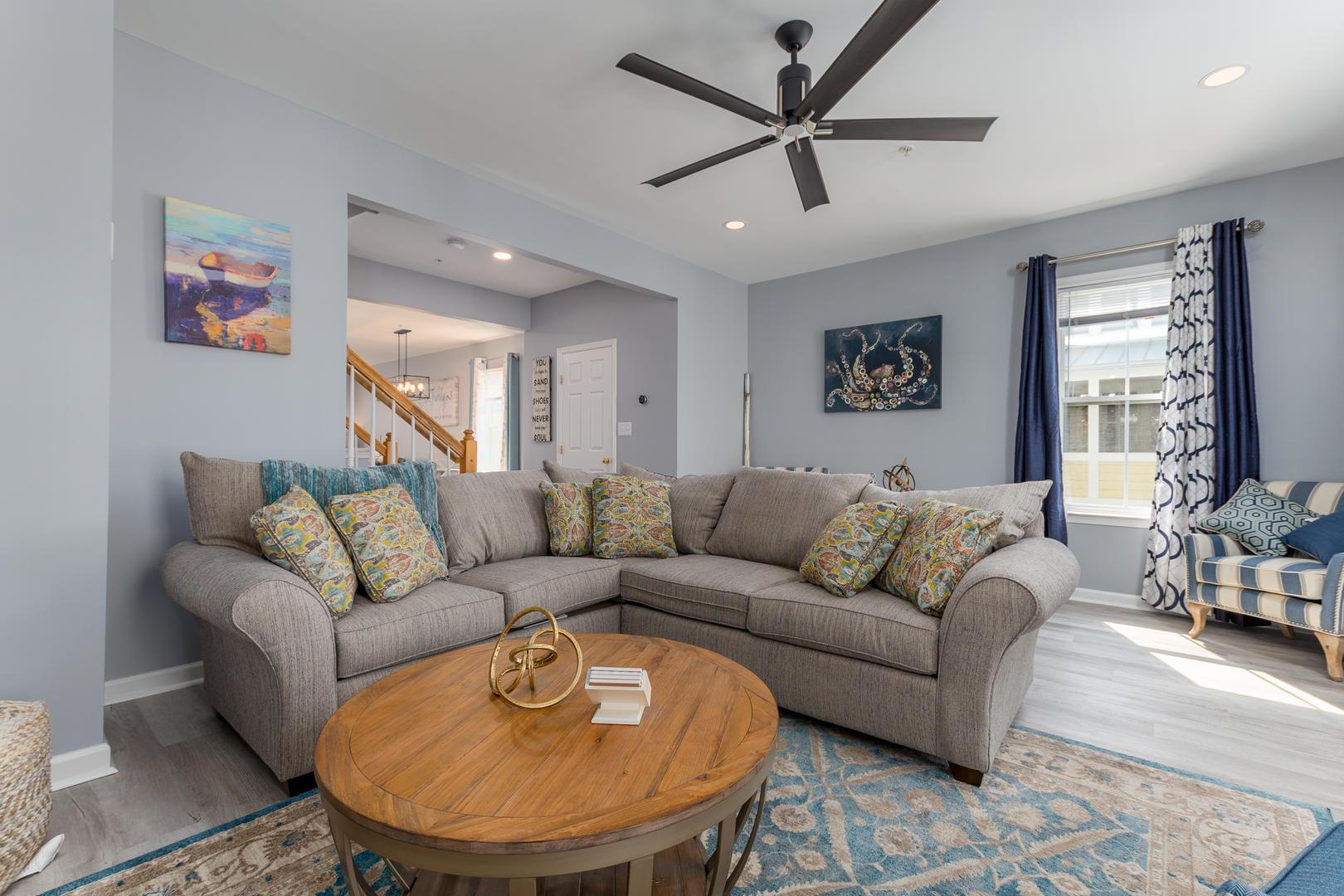 Sunset Island, 33 Sunset Island Drive - Living Room