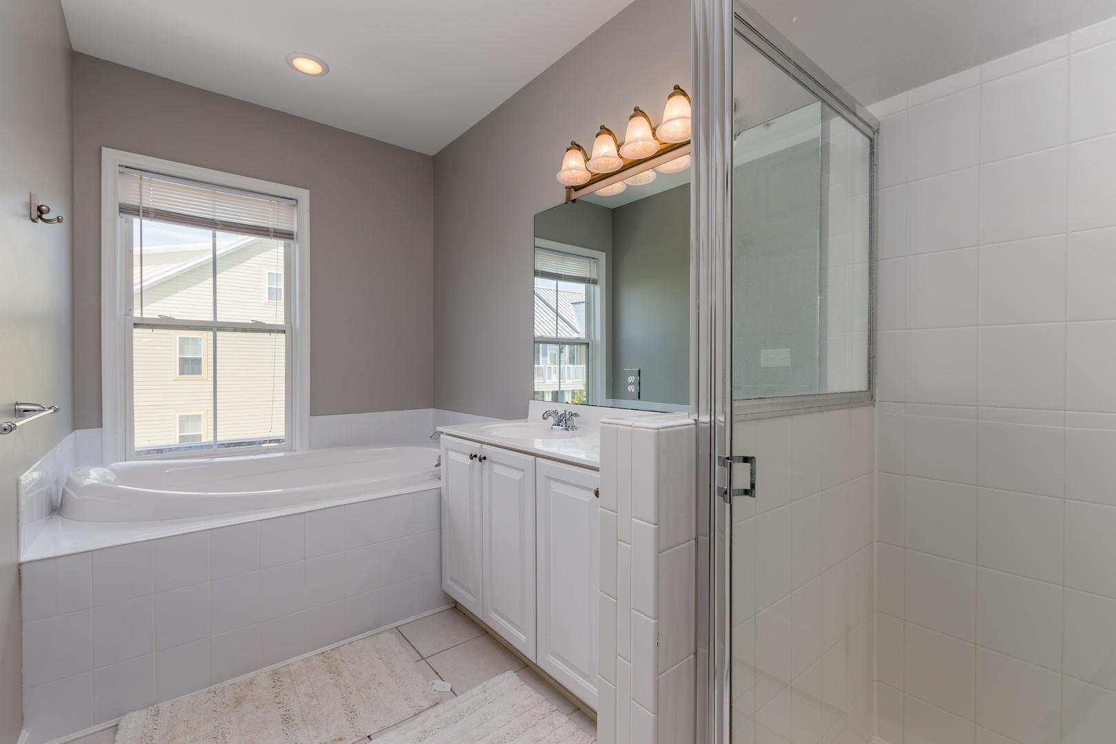 Sunset Island, 33 Sunset Island Drive - Master Bathroom