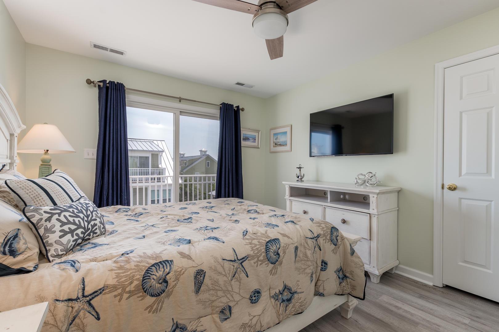 Sunset Island, 33 Sunset Island Drive - Top Floor Bedroom