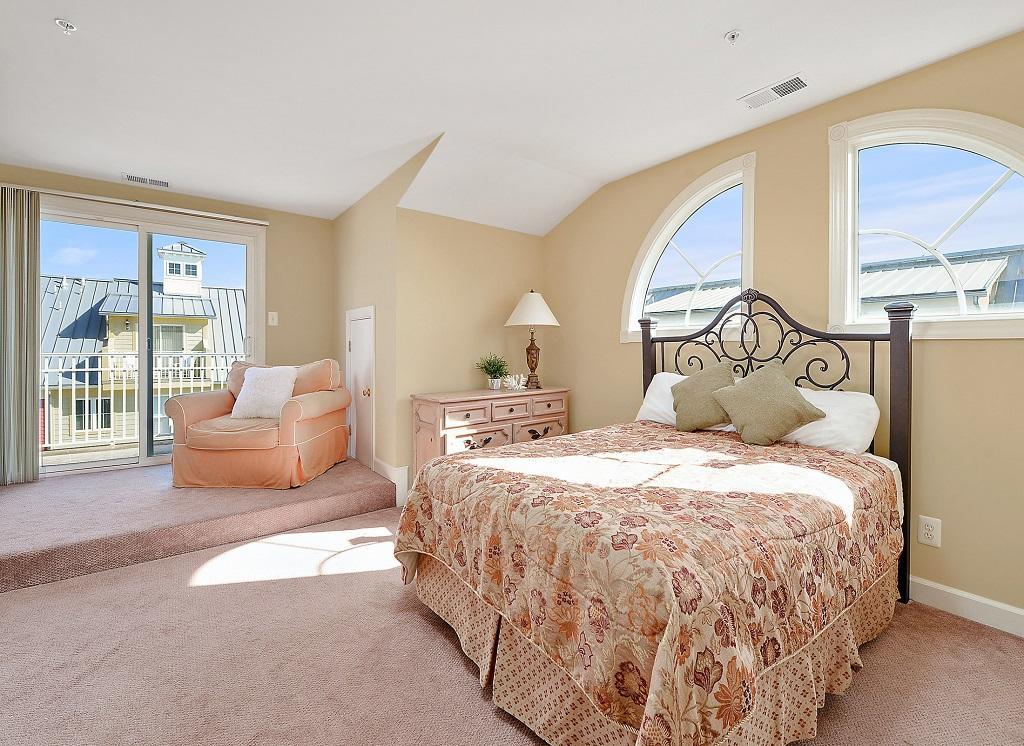 Sunset Island, 36 Sunset Island Drive - Top Floor Bedroom