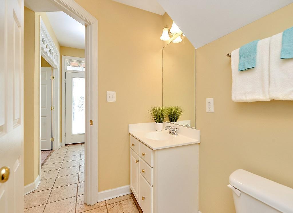 Sunset Island, 36 Sunset Island Drive - First Level Bathroom