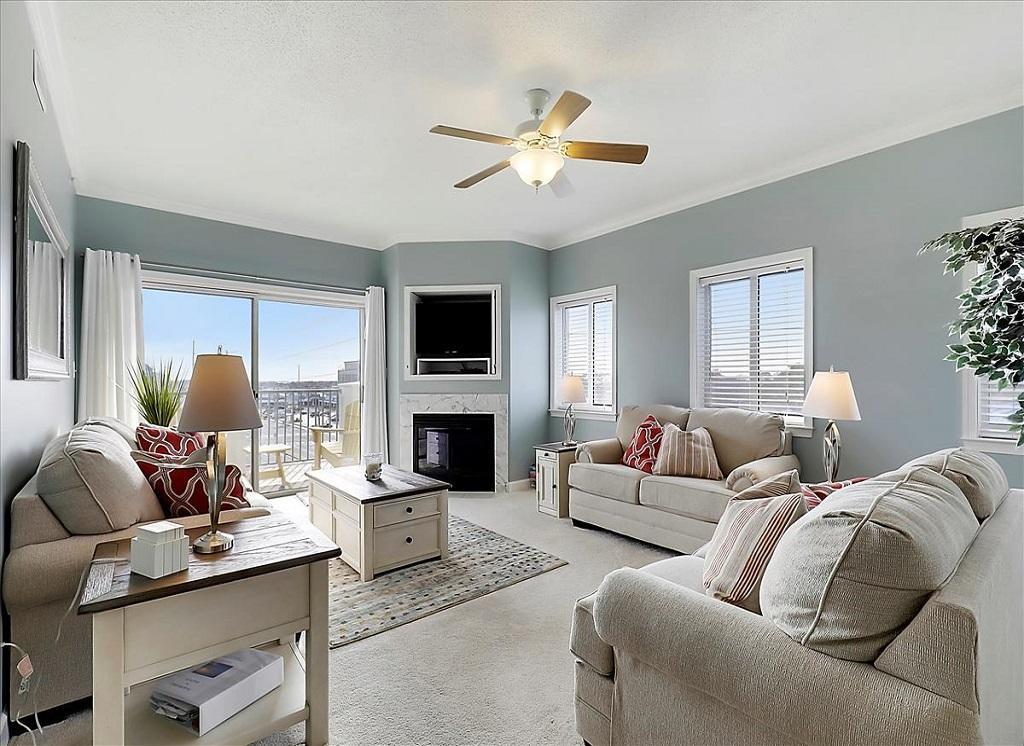 Avalon, 506 - Living Room