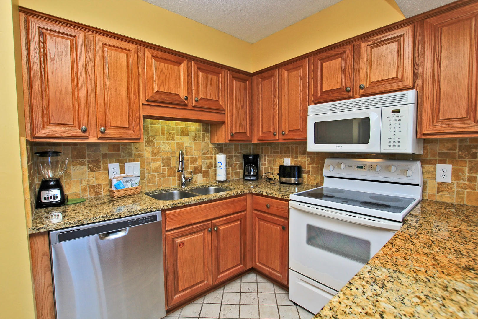 Updated Counter Tops and Cabinets